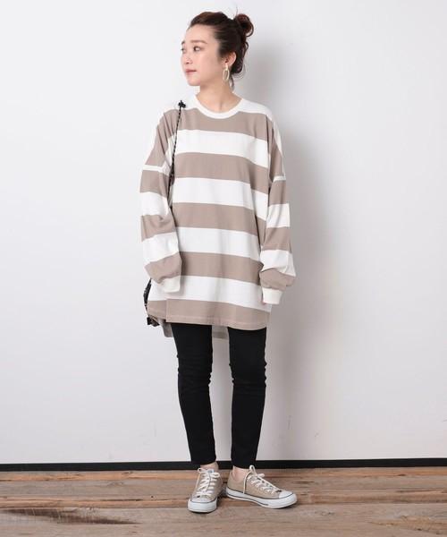 ボーダーTシャツ×パンツの服装