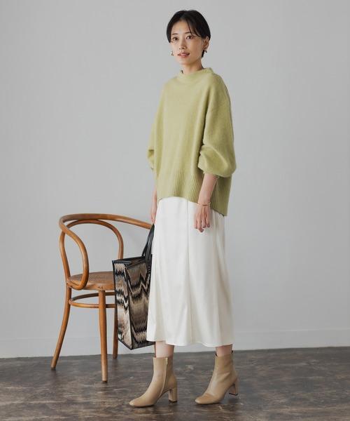 ニット×白スカートの11月コーデ