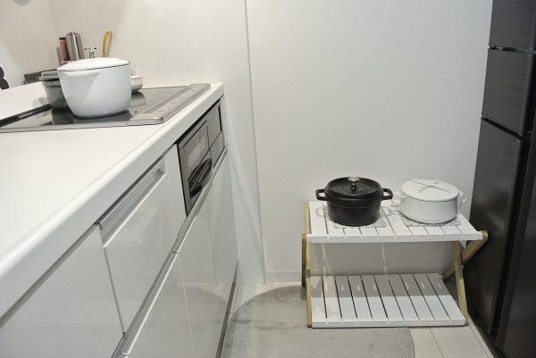 キッチン収納に便利な折りたためるラック