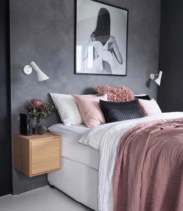 ピンク×モノトーンのベッドルーム
