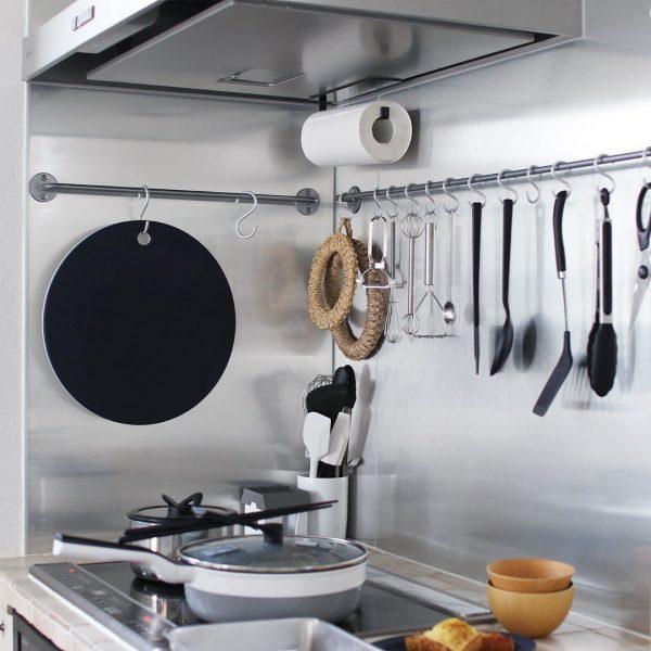 キッチンは吊す収納が便利