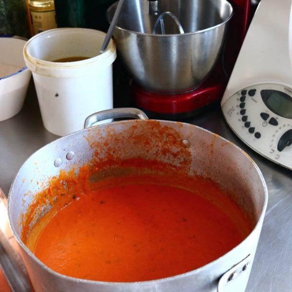 知っておきたい常備菜レシピ!トマトソース