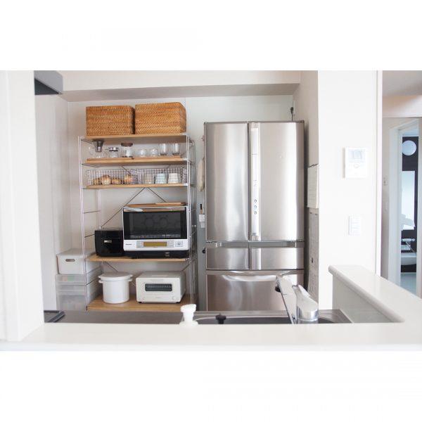 高さを合わせてすっきりとしたキッチン収納