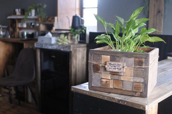 廃材を活用した手作り鉢カバーボックス