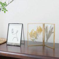 遊び心を飾る!2枚のガラスで挟む「スタンドガラスフレーム」