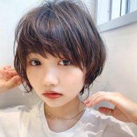 くせ毛さんのショートヘア【2020】クセがあるからこそ可愛い大人女性スタイル!
