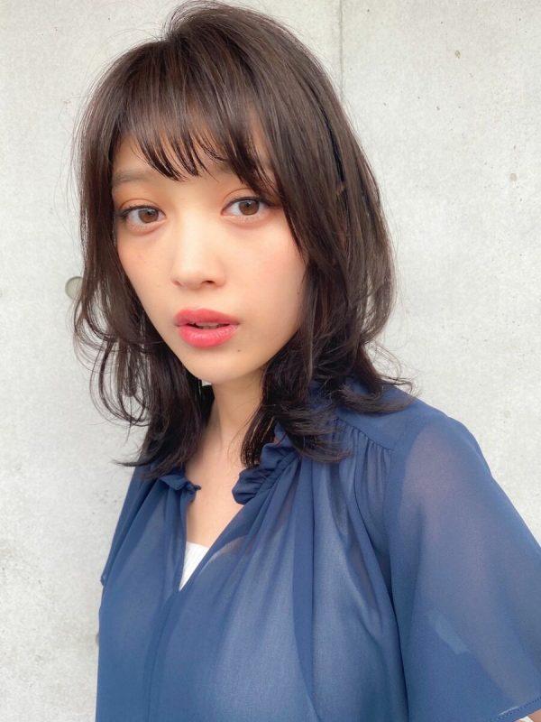 おすすめのミディアム×パーマ・暗髪&黒髪4