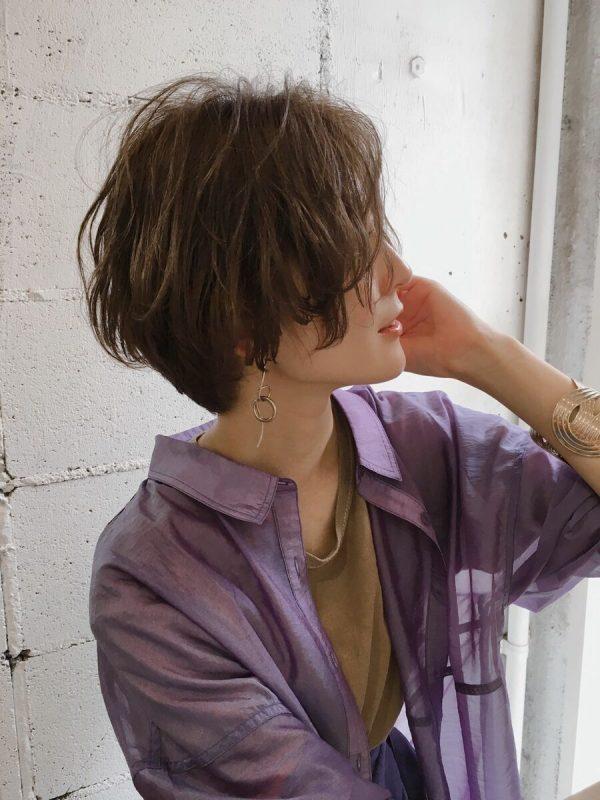 長め前髪が色っぽい無造作ショート