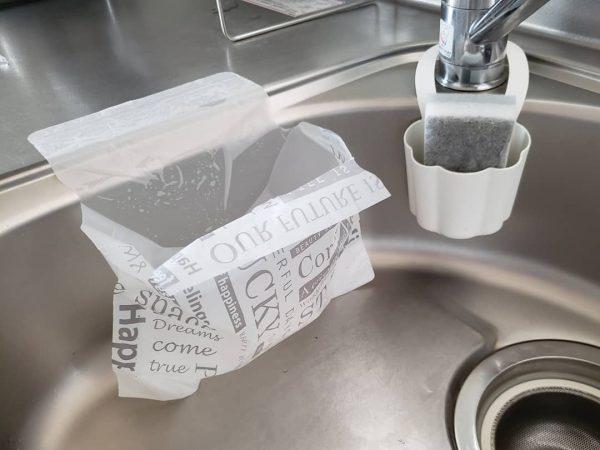 キャンドゥのシンクにペタッと水切り袋