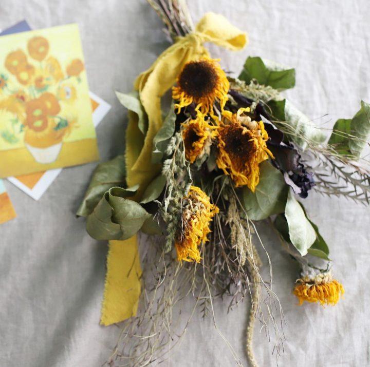 部屋を「夏らしく」彩ろう。夏に気をつけたいお花の飾り方と、おすすめのお花って?