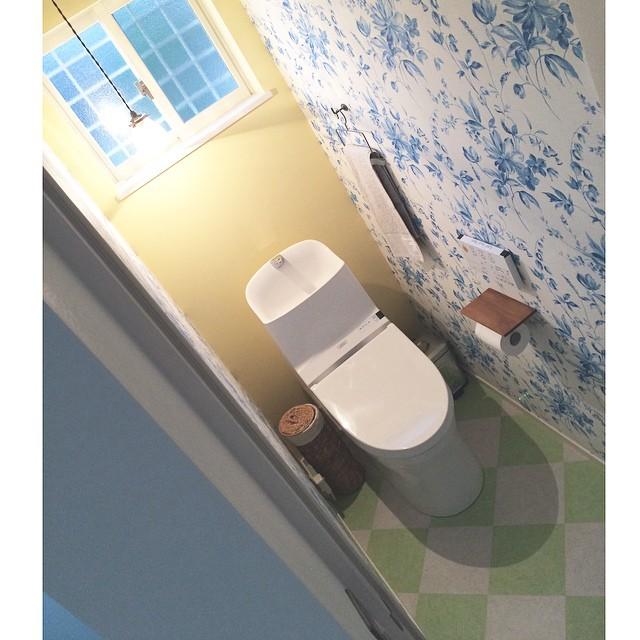 風水で東南と相性の良い色を使ったトイレ