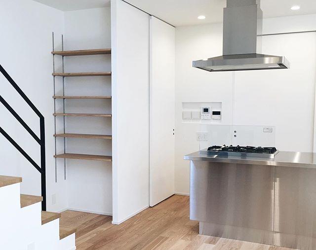 壁面棚の簡単DIYアイデア《可動棚》