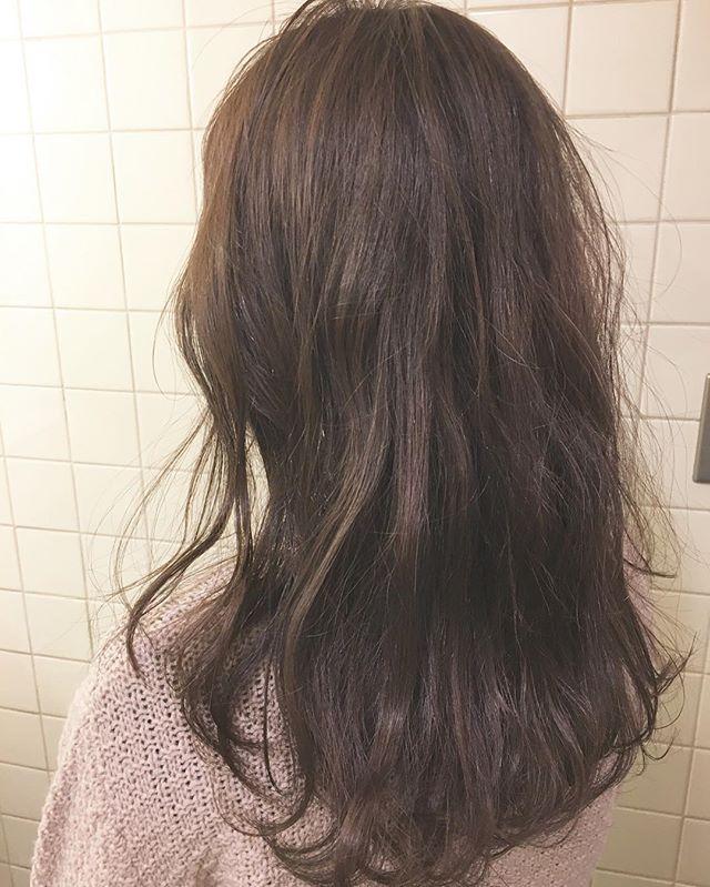 ロングに似合う髪色×秋×バイオレットグレージュ