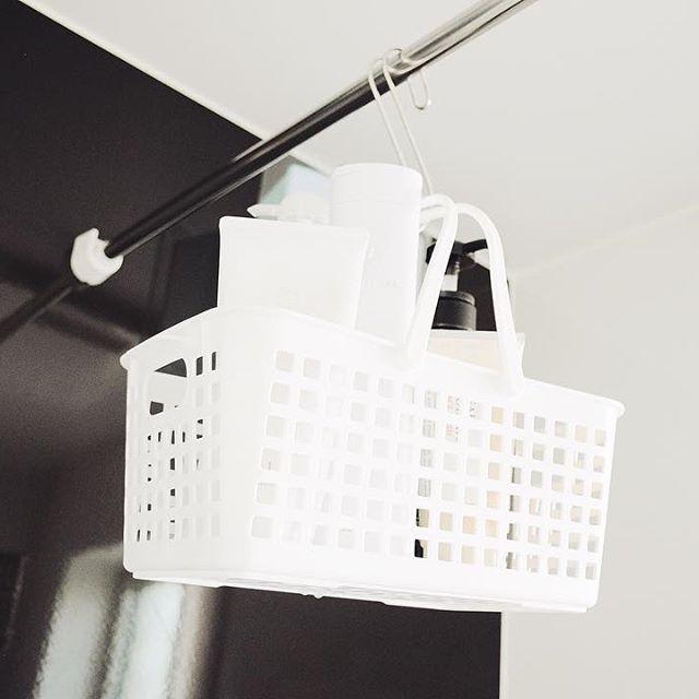 吊るすシャンプー収納11