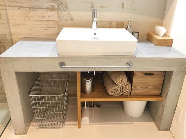 モダンでホテルライクな造作洗面台