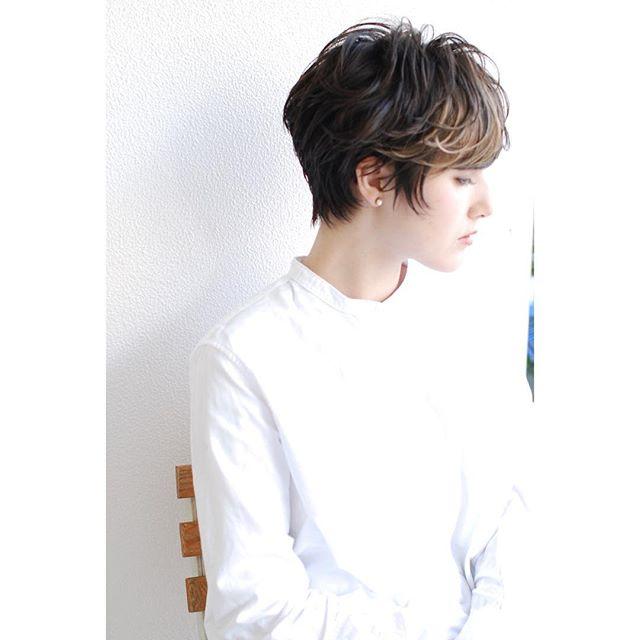 黒髪×ハイライトのスタイル《ショート》4