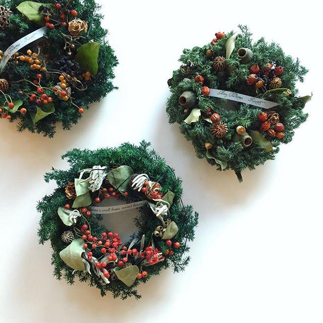 簡単手作りクリスマスリース【緑×赤】