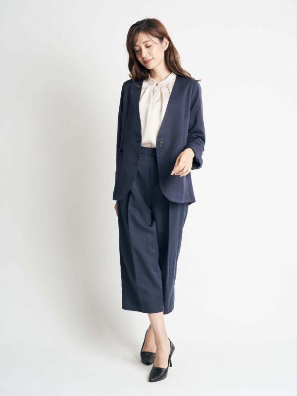 営業の女性に合う服装《パンツ》6