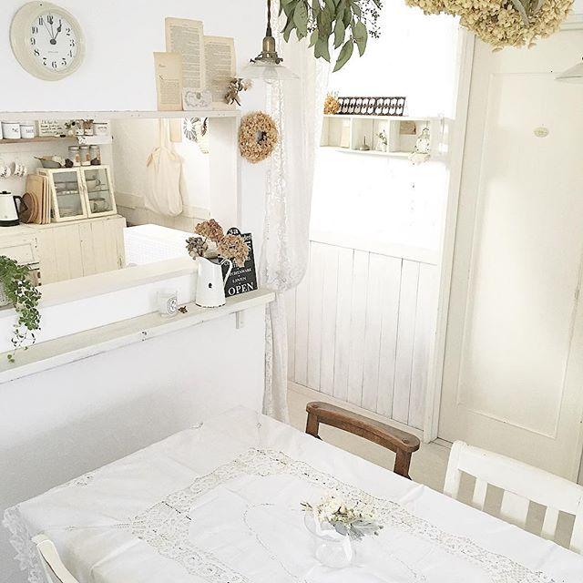 キッチン全体が真っ白