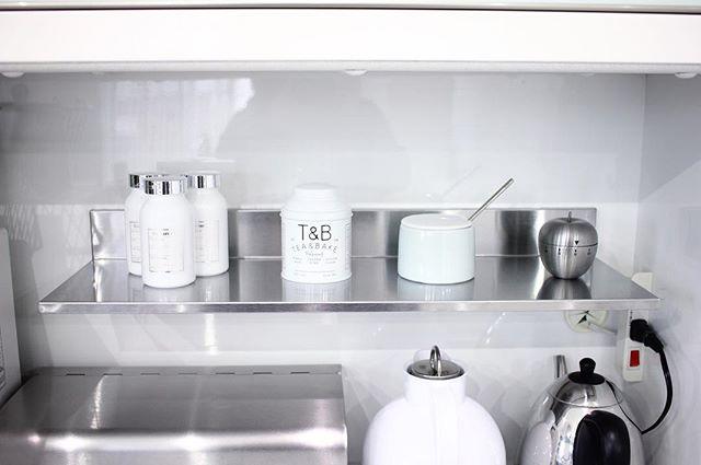 キッチンの小物が白