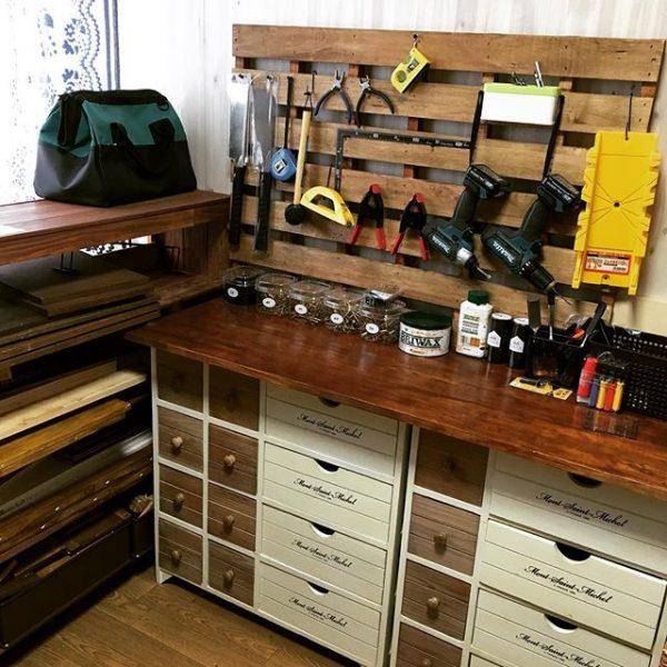 作業台周辺に工具を収納