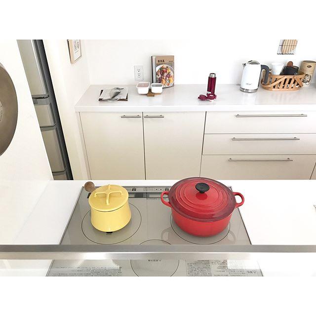 キッチンアイテムが黄色