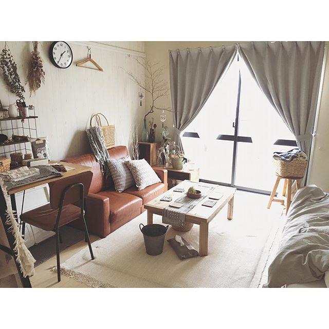ブラウン家具で作る女性の一人暮らし部屋