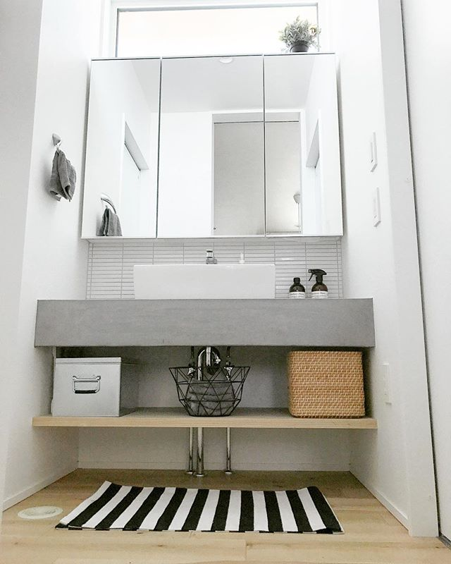 キッチン&洗面スペースにコンクリート4