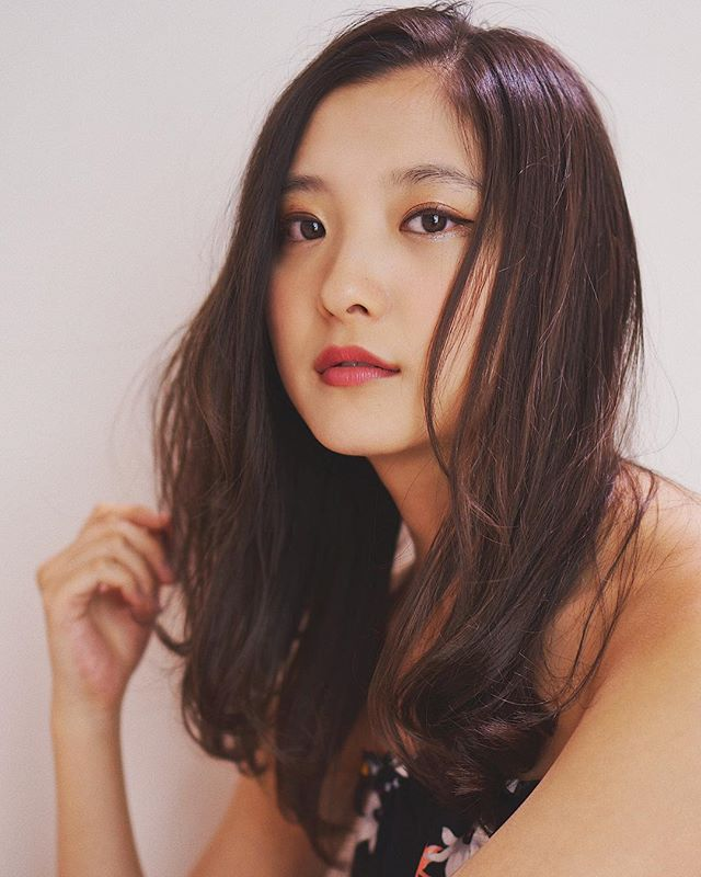 ロングに似合う髪色×冬×アッシュベージュ