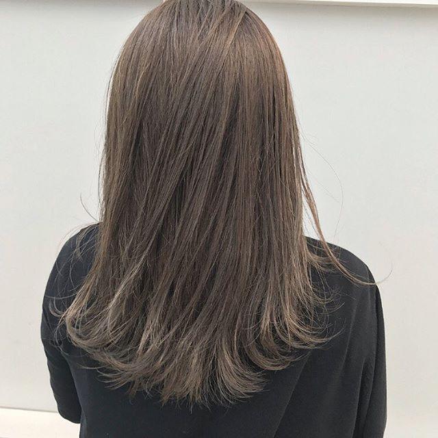ロングに似合う髪色×春×アッシュグレー