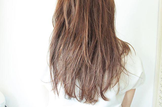 ロングに似合う髪色×夏×ベージュアッシュ