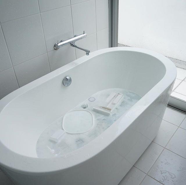 浴槽やバスグッズの汚れを落とす方法