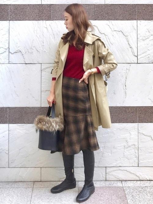 トレンチ×プチプラチェック柄スカートの秋コーデ