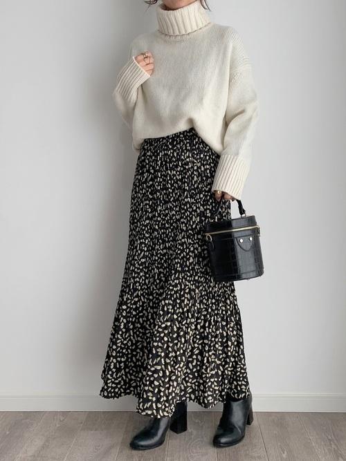ロングスカートの秋冬コーデ《ブラック》