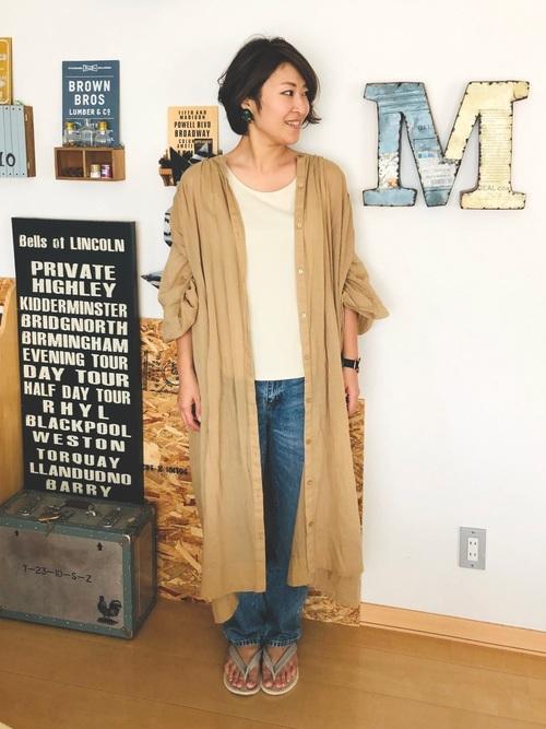 バルーン袖ワンピースの着こなし