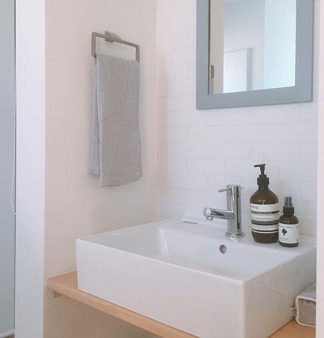 サブウェイタイルのインテリア実例《洗面・脱衣室》