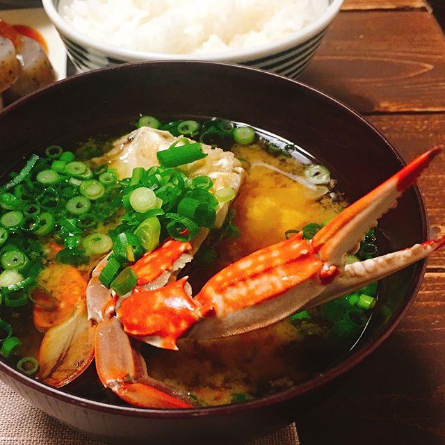 シーフードパエリアに合う!カニ汁スープ