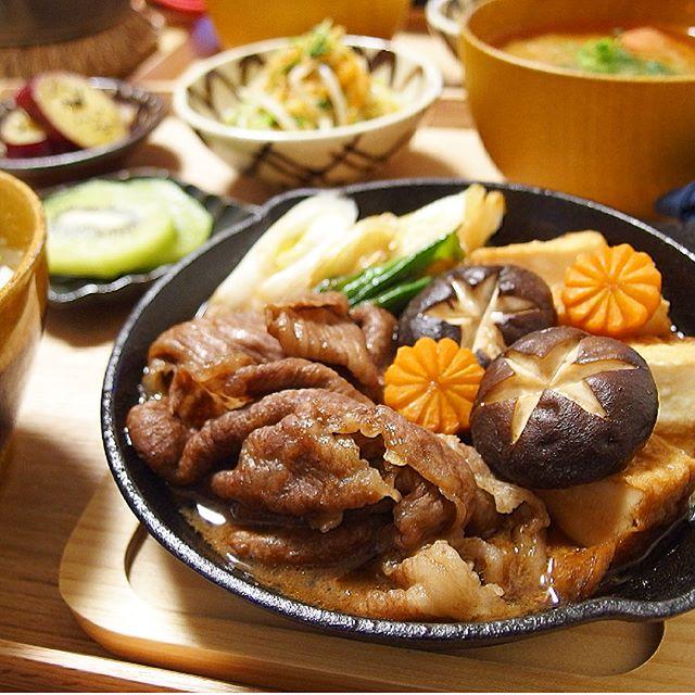 秋に人気の肉料理!美味しいすき焼き