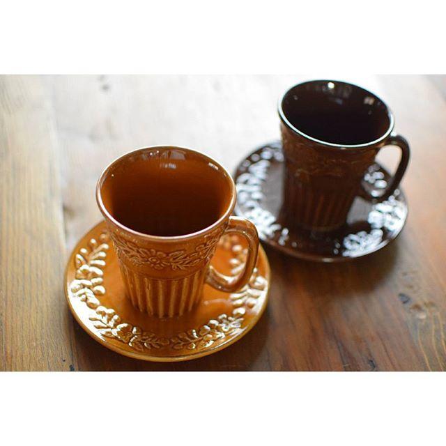 レトロな陶器マグカップ