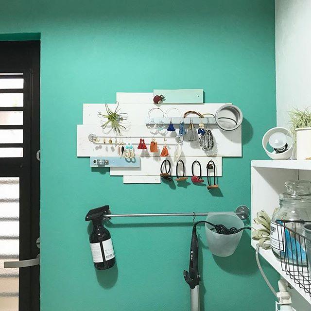 洗面所の収納棚《小物》3