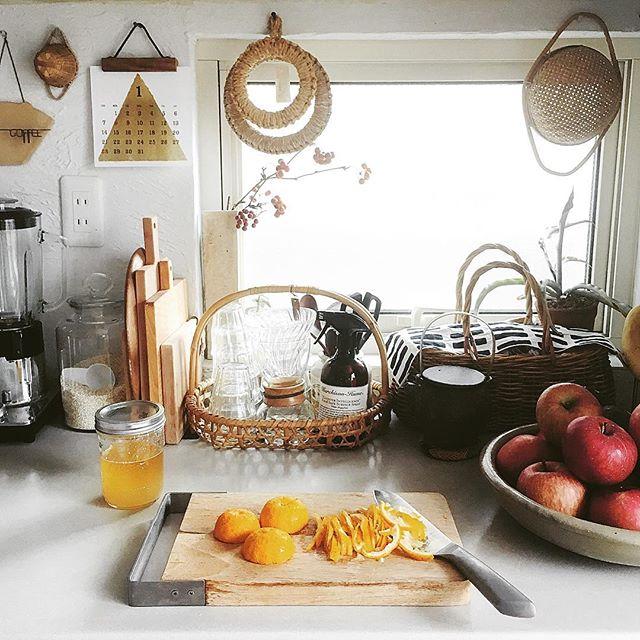 風水で東南と相性の良い色を使ったキッチン