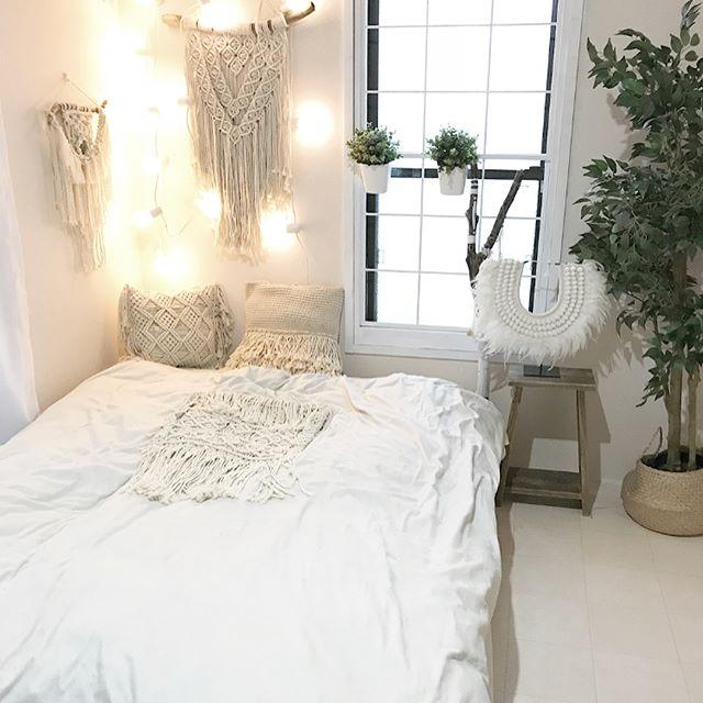 タペストリーで作る女性の一人暮らし部屋