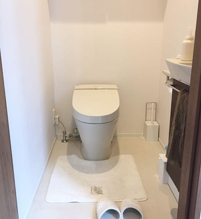 北の方角のトイレにはマットとスリッパが必須