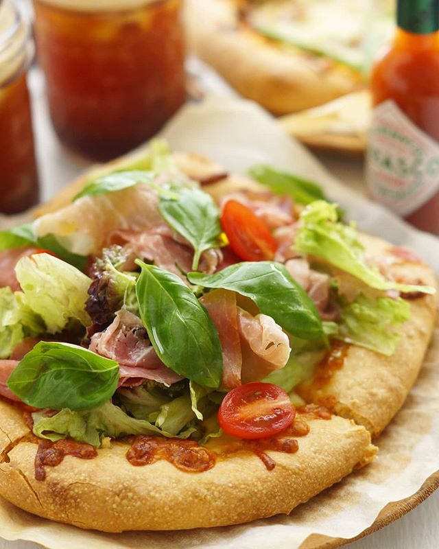 変わり種レシピ!味噌風味のサラダピザ