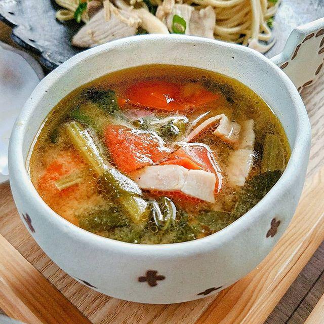 一人暮らしの簡単な食事に!イタリアン味噌汁