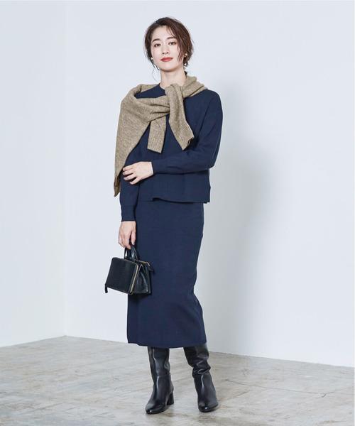 ニット×タイトスカートの忘年会ファッション