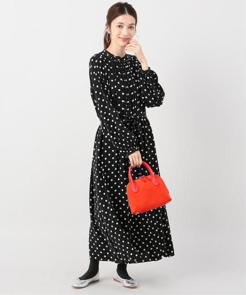 ドットワンピ×赤バッグの忘年会ファッション