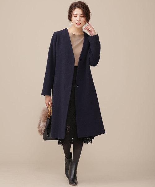 コート×レーススカートの忘年会ファッション