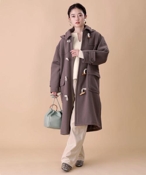 ビッグコート×パンツの服装