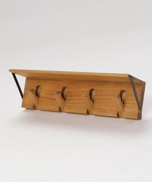 ナチュラルテイストの木製連続フック